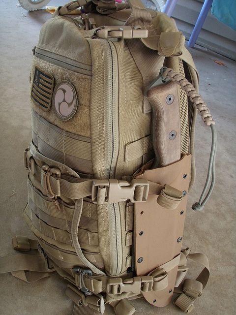 Kifaru pack wiht custom kydex sheath.  Niceee.  Definitely starting to really like the coyote brown look for bags