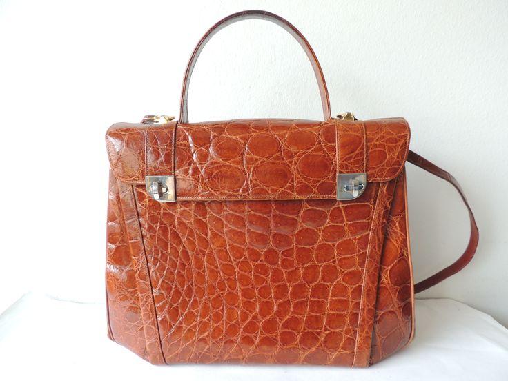Grand sac en crocodile pour celles qui aiment le luxe pour tous les jours...