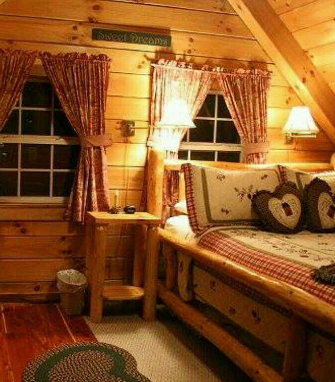 How Cozy is this room! This has that real Hometown, Simpler Times Country feel to it.