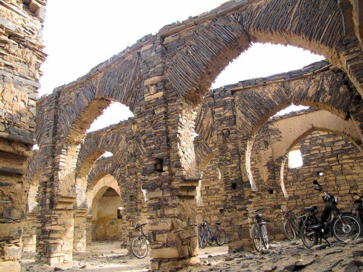 Mezquita (inacabada) de Ma El Ainin. Smara