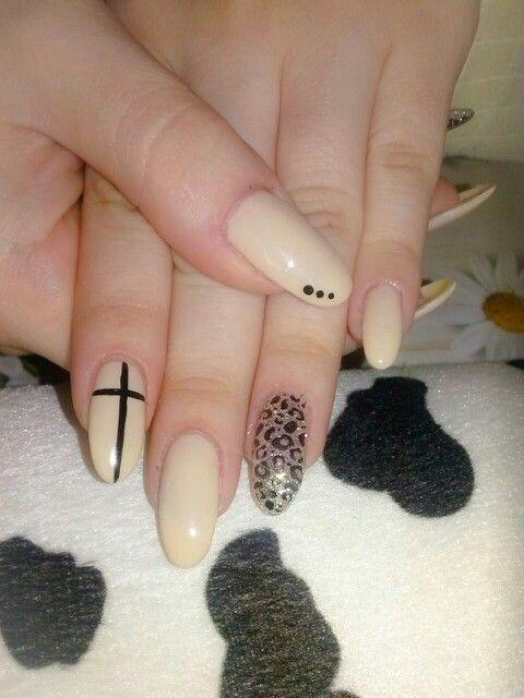 Gel nails almond shape porcelain beige