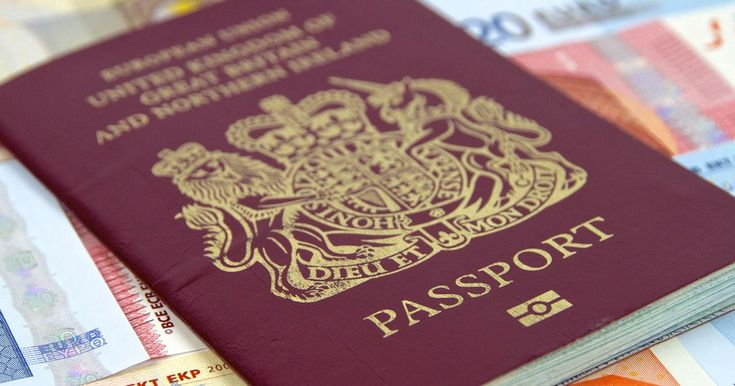All UK airports to start charging tourists to get through passport control quickly - Mirror.co.uk