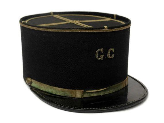 Chapeau de Gendarme Français vintage. Garde par LeBonheurDuJour