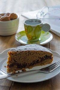 Torta al caffè con cioccolato e noci - Brodo di coccole