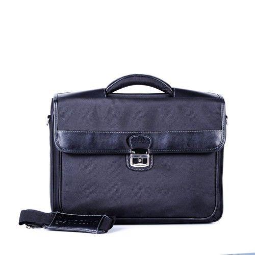 Teczka na Laptopa - CM35008 -  Teczka na laptopa została stworzona z myślą o ludziach biznesu potrzebujących akcesoriów do codziennego użytku. Wykonana z najwyższa precyzją, ze starannie dobranymi dodatkami. Najwyższej jakości poliester, odporny na zabrudzenia oraz uszkodzenia.