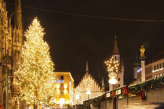 Праздники закончились, зато осталось много впечатлений после них, ювелирный бренд Diamare очень весело и интересно отметил Новый год и теперь готов к исполнению новых намеченных целей на 2015 год, а как провели новогодние каникулы вы? :)