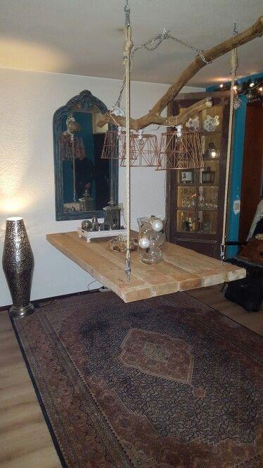 Boom lamp met zwevende tafel