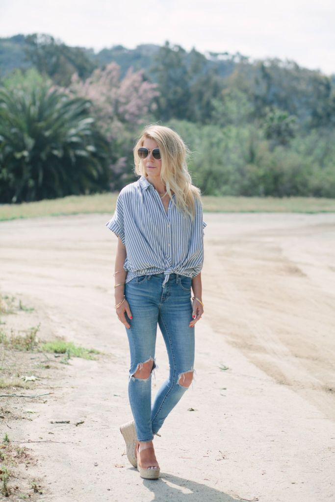 striped shirt, destroyed jeans and espadrilles heels