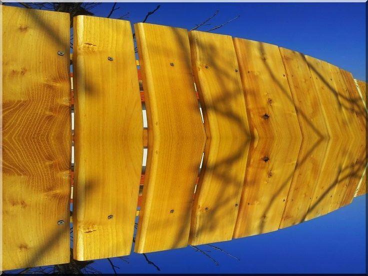 Rusztikus akác fa kerítések, kerítéselemek, akác deszka gyártása, értékesítése - Industrial loft furniture, Garden borders ----------------- Acacia planks Bicicle storage Furniture Sanded acacia poles Garden well Ék, alátétfa Falburkolatok Saw-bench Planed planks Gyalult karók Garden grid Garden bins Information signs Iveta vörösfenyő termékek Wooden floor tiles Horse or cattle pens Garden stakes Debarked acacia trunks, poles Fences, acacia Rustic fence, acacia Fence, metal Fence, pine…