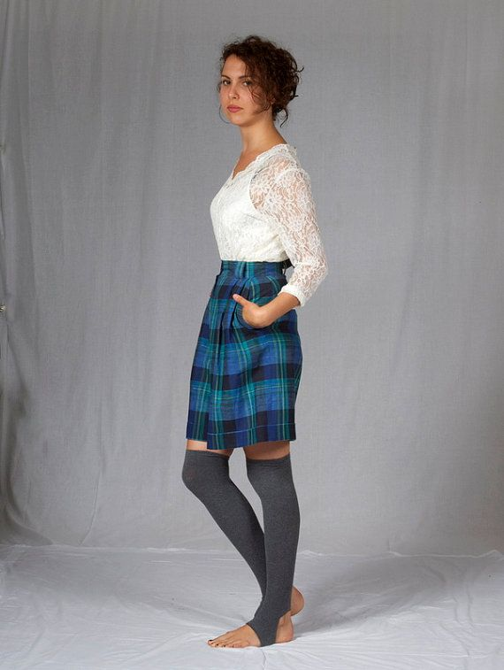 Preppy vintage culottes in beautiful blue and green tartan.