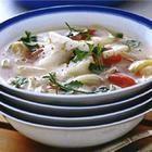 Caldo rápido de pescado con jitomate e hinojo