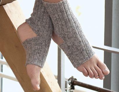Описание вязания на спицах носков для йоги, связанных резинкой, из журнала «Verena» №3/2015