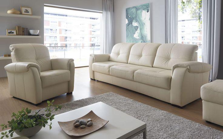 Po prostu tradycyjnie - zarówno w stylistyce, jak i w funkcjonalności. Zestaw wypoczynkowy Velvet w jasnej skórze prezentuje się niezwykle elegancko. #galaprimo #galacollezione #dosalonu #inspiracje #inspiration #design #wnętrza #furnituredesign #sofadesign #homedecor #interiordesign #meble #furniture