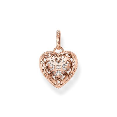 The #HeartLocket with it´s sophisticated arabesque cut-out is one of the most romantic items from the #THOMASSABO Sterling Silver Collection. #wedding #romantic #style #bride #jewellery