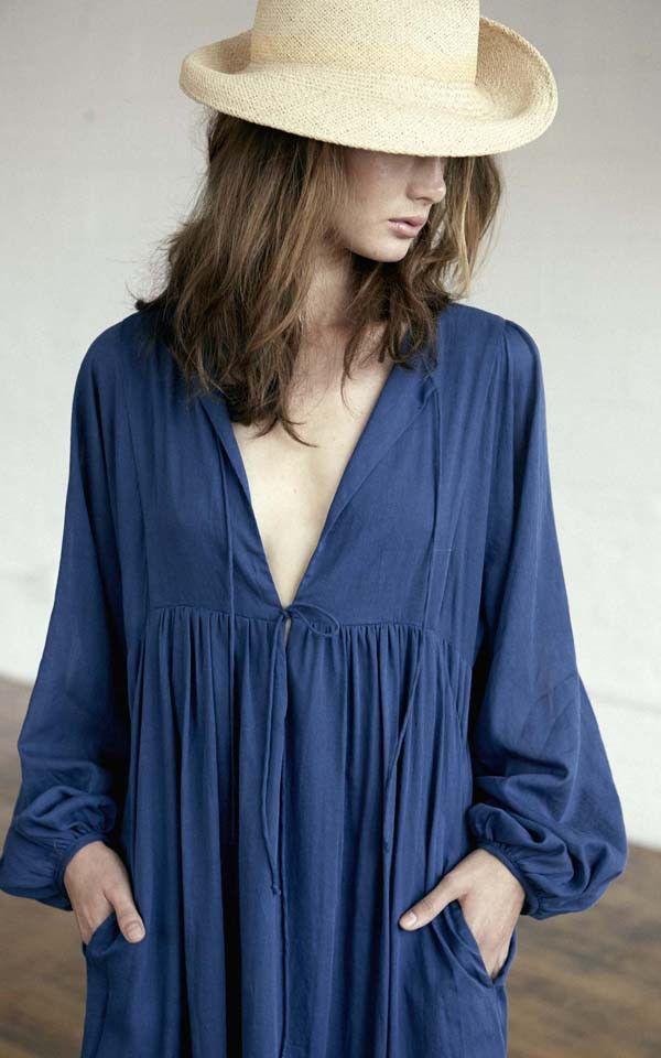 (こういうシャツ、ZARAとかにいっぱいあったよ。ちょうちんお袖はギター弾きにくい?) Goa Dress / D015   Loup Charmant