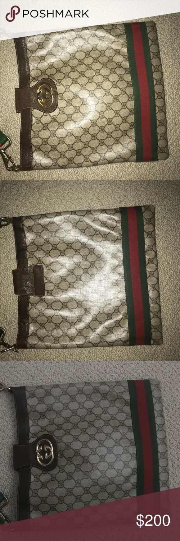 Gucci Bag ***Used Gucci Messenger Bag Authentic Slight damage on corners ***Please purchase with confidence Gucci Bags