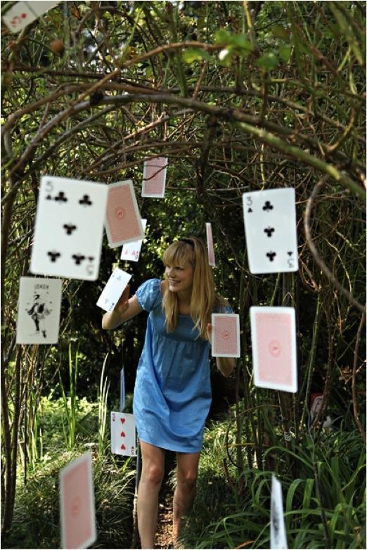 http://4.bp.blogspot.com/-l2zrGoyWOdY/T89SUPy9qTI/AAAAAAAAJmI/6xN_I-OnOU8/s1600/Playing+Cards.jpg