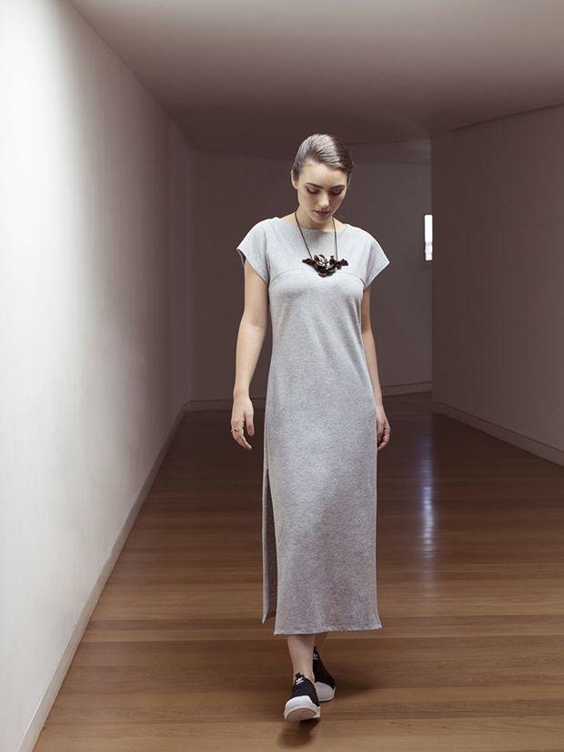 Vestidos camisetas minimalistas e veganos da ADA;