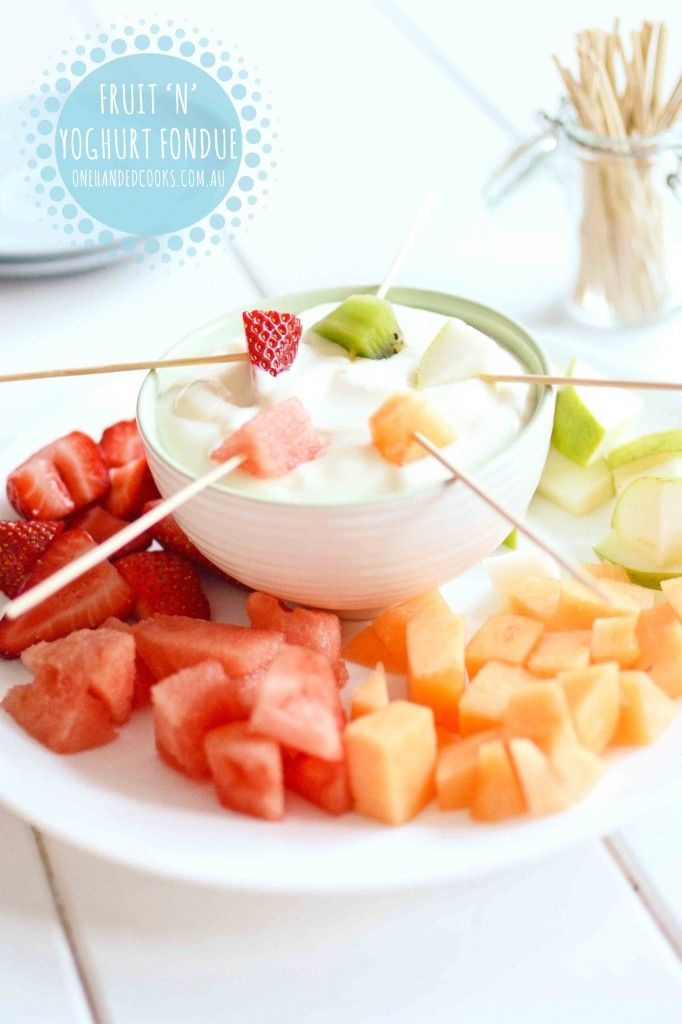 {NEW} FRUIT 'N' YOGHURT FONDUE: Children love to dip. Serving chopped fruit in a new and fun way can tempt fussy eaters to enjoy their fruit. You can also try this with veggies and dip. #onehandedcooks