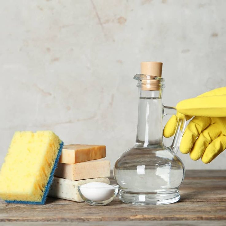 Does vinegar kill germs and mold ways to use vs not in