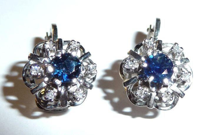 Catawiki Online-Auktionshaus: Ohrringe Weißgold-Clips 750 / 18 K Saphir und Diamanten ca. 0,24 ct.
