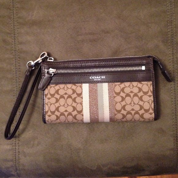 Wristlet wallet Slightly used, still in good condition Coach Bags Clutches & Wristlets