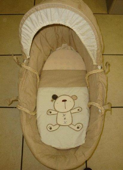 Grobaby  Moses Basket Linen Set Teddy Natural This  Linen Set includes : Sheet,  Cot Bumper,  Quilt & Hood