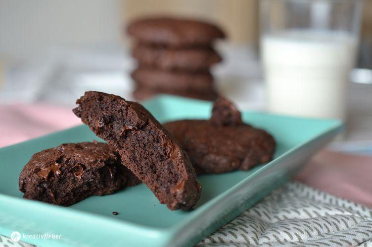 Heute haben wir ein ganz einfaches Rezept für schokoladige Schokokekse auf dem Blog. Extra süß: mit Aristocats Ausstechförmchen!!!