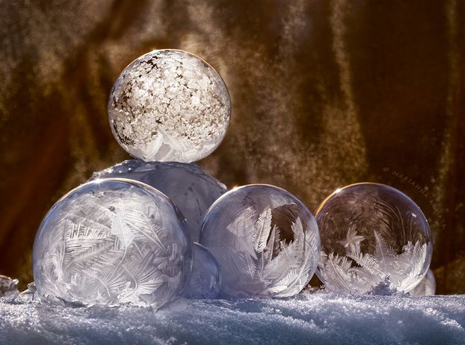 Frozen soap bubbles....this is incredibly beautiful!!! Great photo! The Weather Network, Marianna Armata, Pierrefonds, Quebec Canada