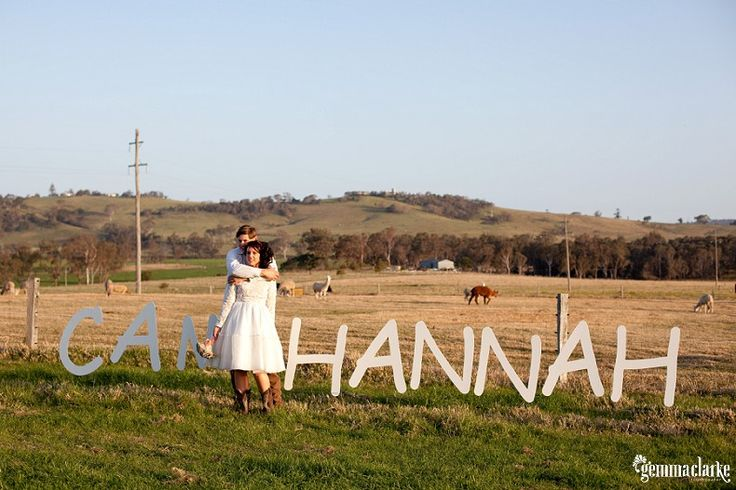 Hannah and Cam's Quirky Farm Wedding – Milton