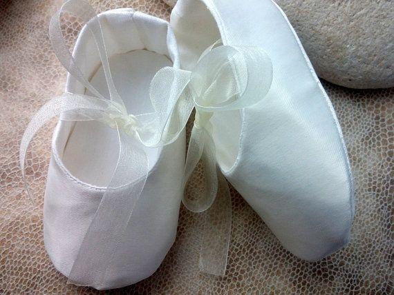 Zapatos de bebé de Satén marfil zapatos de bebé niña quieres