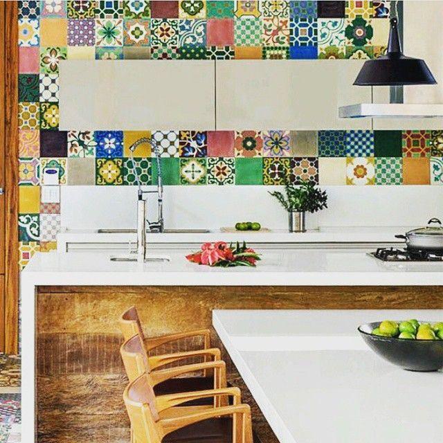 Otto tiles in kitchen walls (Istanbul-London-Zurich  #ottotiles #ottomantiles #ottoman #cementtiles #cement #tiles #zemenfliesen #platten #boden #floor #carreauxdeciment #architecture #architectureporn #likeforlikes #follow4follow #beautiful #homedecor #decorideas #instaarchitecture #ihavethisthingwithfloors #interior #interiordesign #istanbul #london #zurich #handmade #instagrumhub #retro #vintage #tilegram