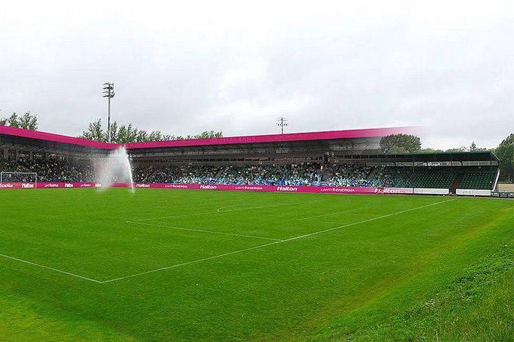 Lahden Kisapuiston jalkapallostadion rakennettiin vuonna 1950 Helsingin olympialaisia varten. FC Lahti pelaa kentällä kotipelinsä.