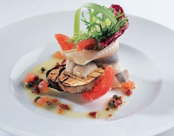 Scharfes norwegisches Matjesfilet auf Grillkartoffeln und 87.000 weitere Rezepte entdecken auf DasKochrezept.de