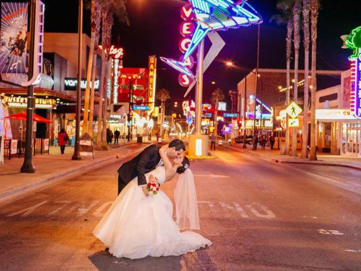 1000 Ideas About Vegas Wedding Dresses On Pinterest