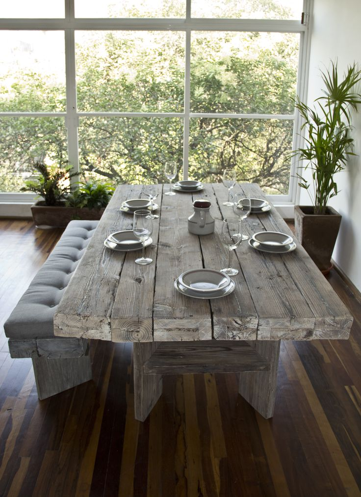 Need this table! Mesa de madera / Wooden dining table by Kiché Diseño de Interiores