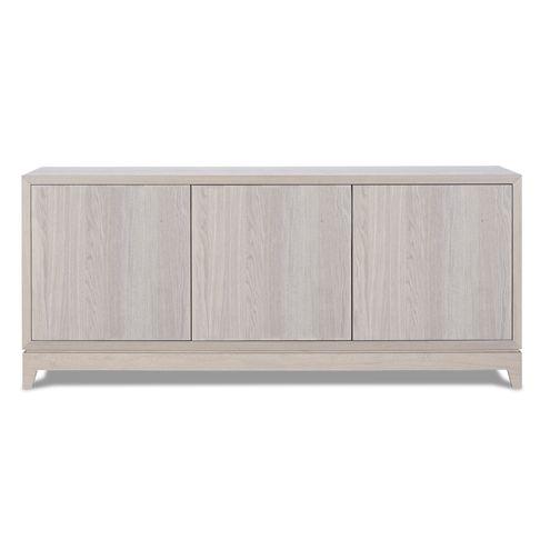 BOLANZO 1 skjenk  Benk med 3 dører(push open) og 1 hylle.  Treverk: heltre/finert eik; leveres i fargene: sort, brun, hvit, grå og klarlakkert.  Mål: B:160 H:70 D:45  Design Studio Italian House Varenummer 29922