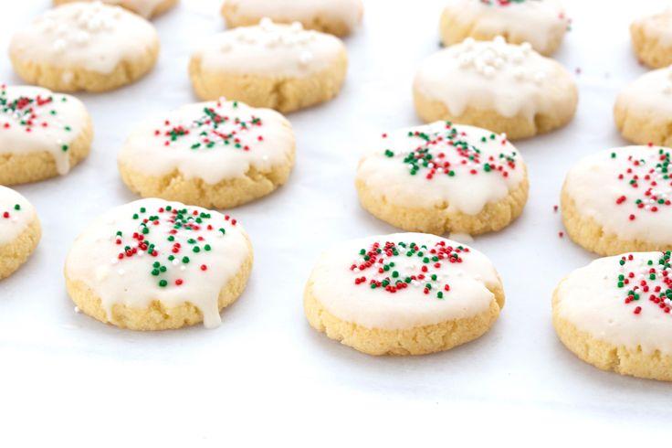Classic Italian Christmas Cookies - KETO!!   Recipes   Swerve Sweetener   Italian christmas ...