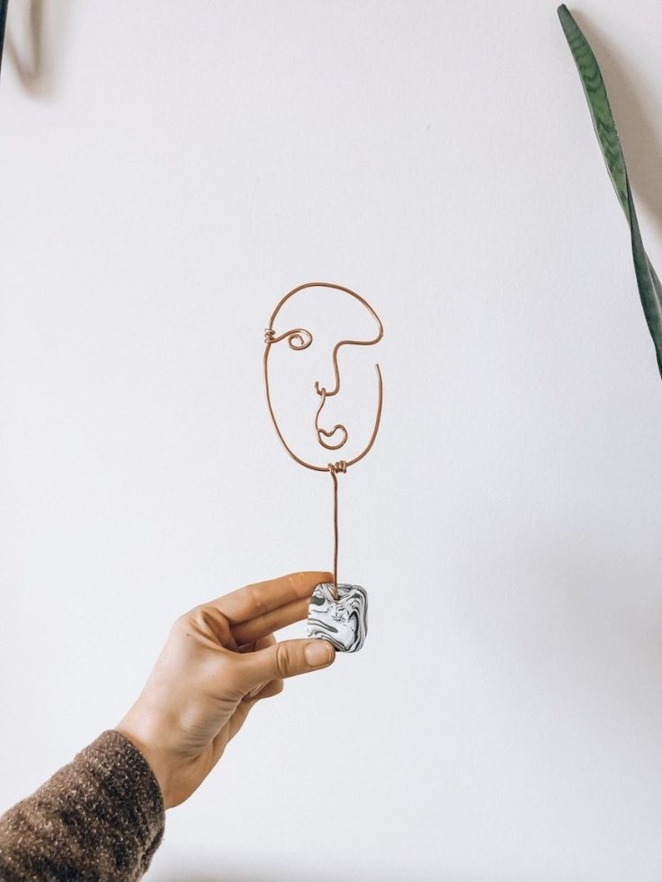 DIY Wire Abstract Face Sculpture + Plant Stake