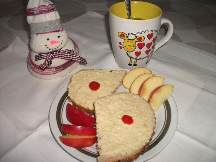 Csicseriborsó krém egyszerűen konzervből szendvicshez: gyorsan, egyszerűen elkészíthető a szendvics alapnak is kitűnő csicseriborsó krém