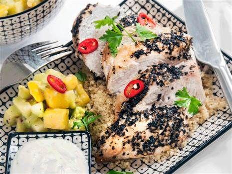 Örtstekt kyckling med avocado och mangosalsa och couscous