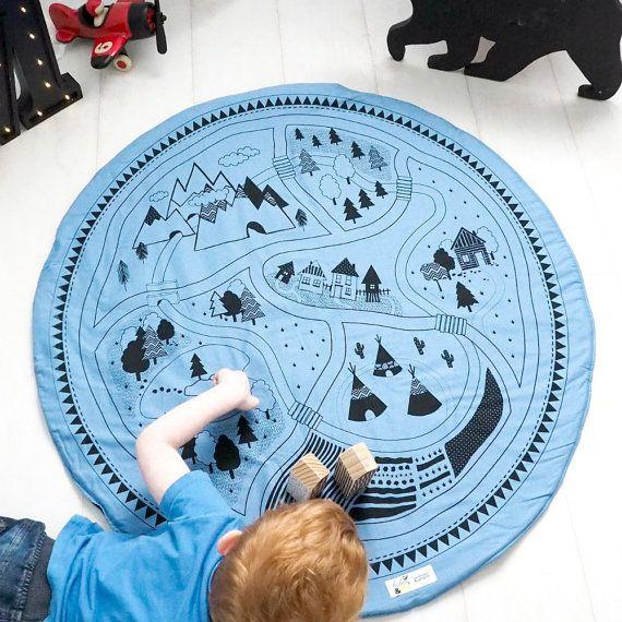 Permet de jouer tapis de jeu-noir sur bleu ciel par BabeeandMe