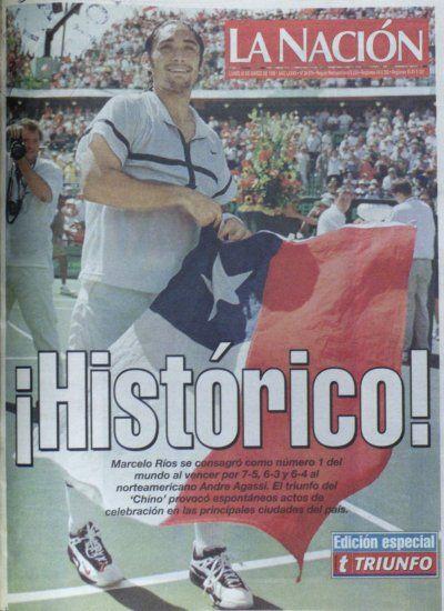 """29 de marzo de 1998, celebrando la llegada de Marcelo """"Chino"""" Ríos al número 1 de la ATP. La Nación"""