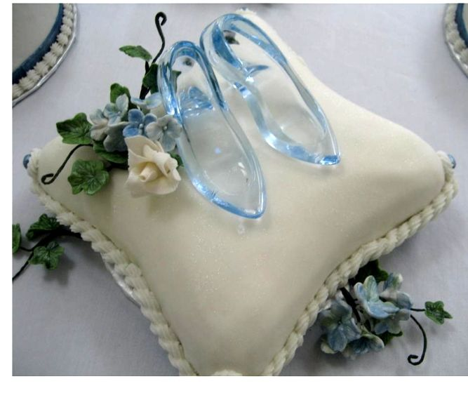 Slipper pillow cake a cinderella inspired wedding