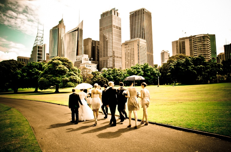 The bridal party in the Botanic Gardens, Sydney