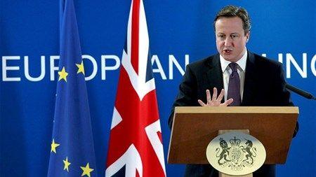 TILVALGSORDNING: Storbritannien og Irland har allerede gennem ti år haft en tilvalgsordning på retsområdet ligesom den, danskerne skal stemme om 3. december. Storbritannien vælger i to ud af tre tilfælde at deltage i EU-samarbejdet, selvom politikerne i retorikken er tilbageholdne.
