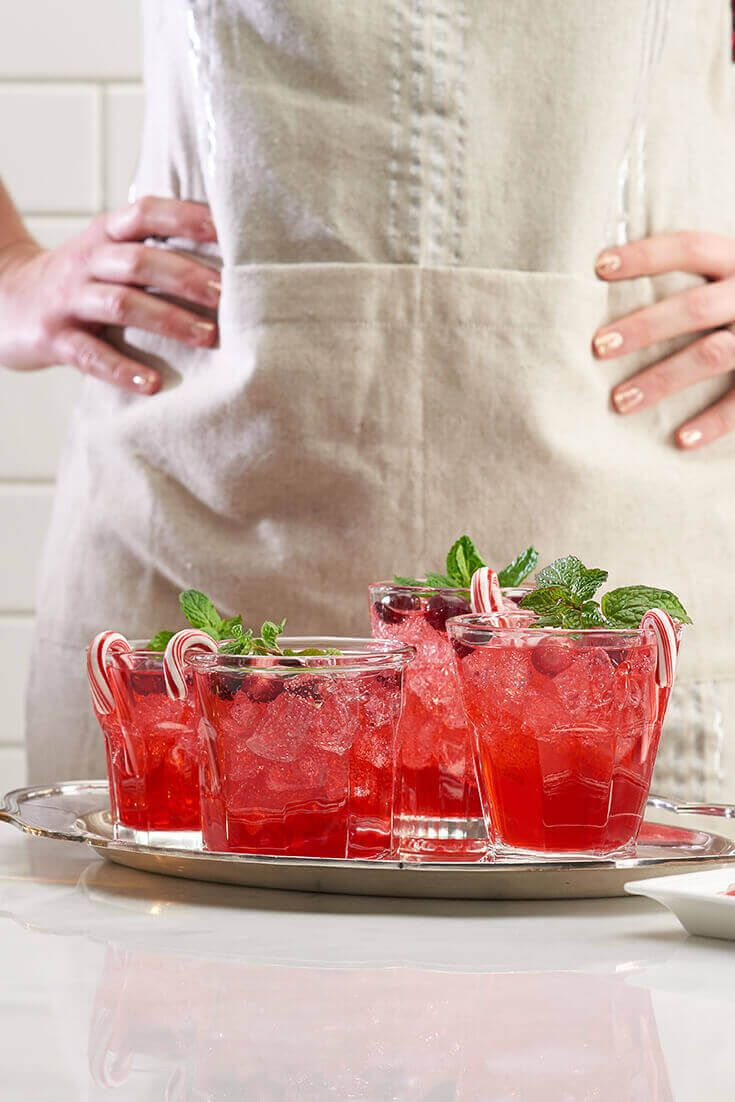"""A Christmas """"Mocktail"""" Recipe: Festive Cranberry Fizz. Learn how to make this sweet and refreshing drink guests of all ages can enjoy."""