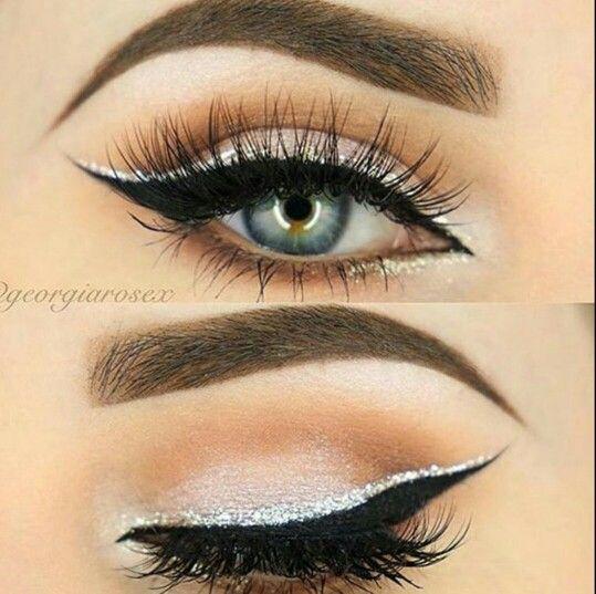 Eyeliner double black and silver, eyelashes