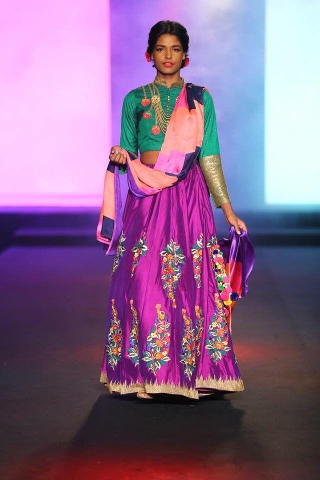 Mejores 120 imágenes de ICW en Pinterest | Bodas indias, Moda india ...