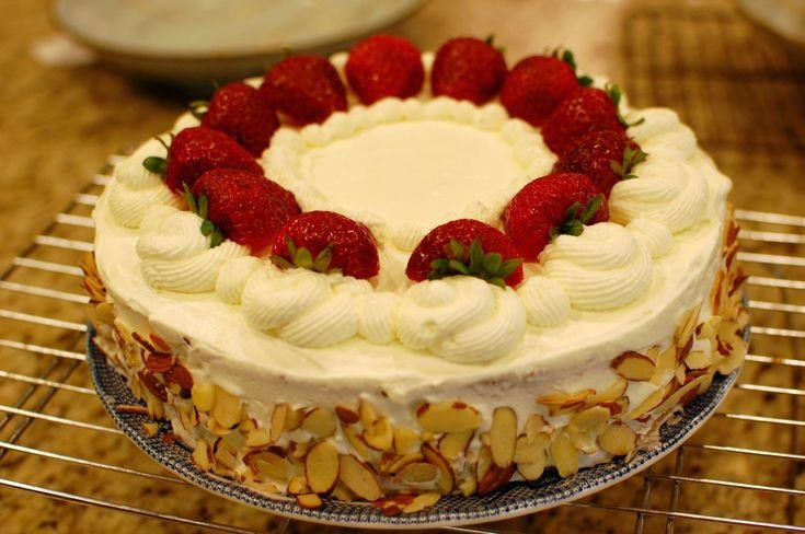 strawberry birthday cake recipe - HD3008×2000